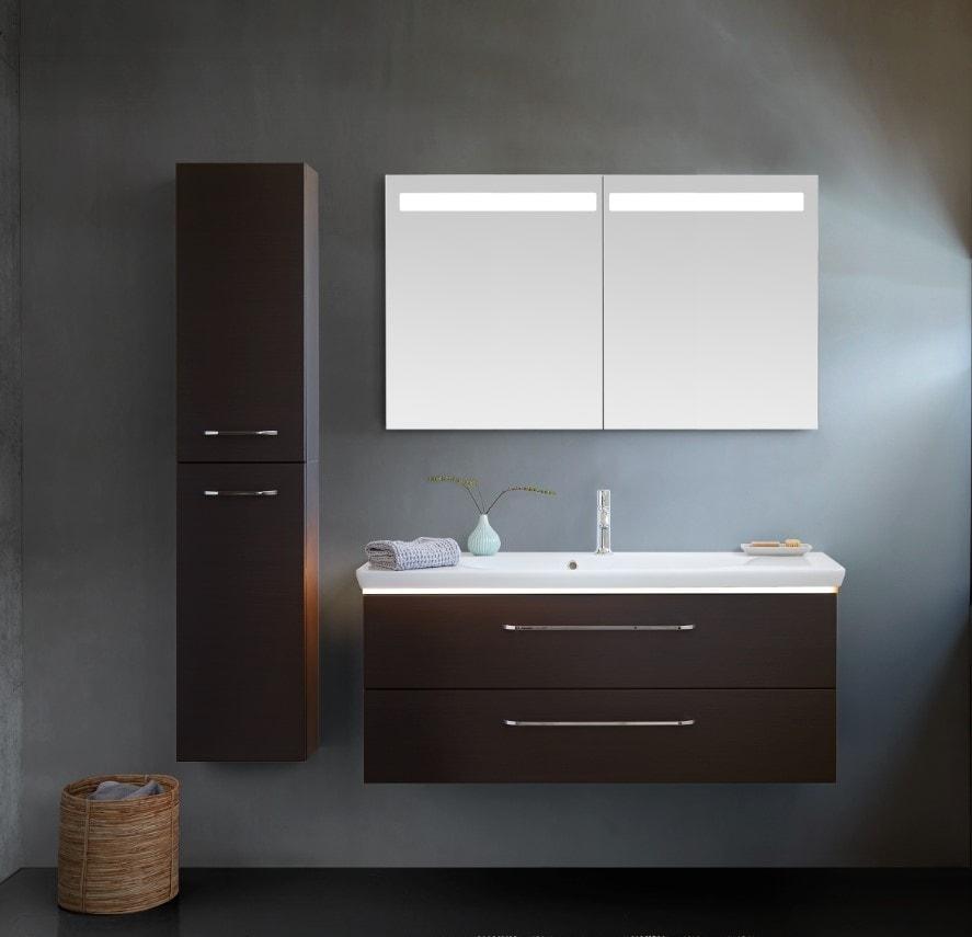 Scanbad Delta med Azure vask i 120cm og fraontfarven Coffe - et virkeligt flot valg.